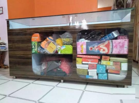 Mobile Gift Shop Counter