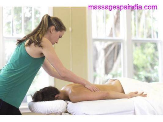 Female to Male Body Massage in Andheri 8956316875